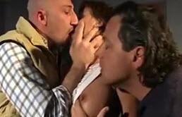 Inceste dans une famille Italienne pleine de pervers et de pétasses