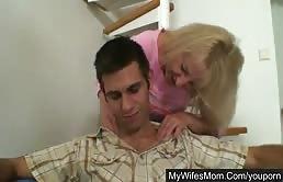Ta belle mère va te masser avant que tu ne sortes