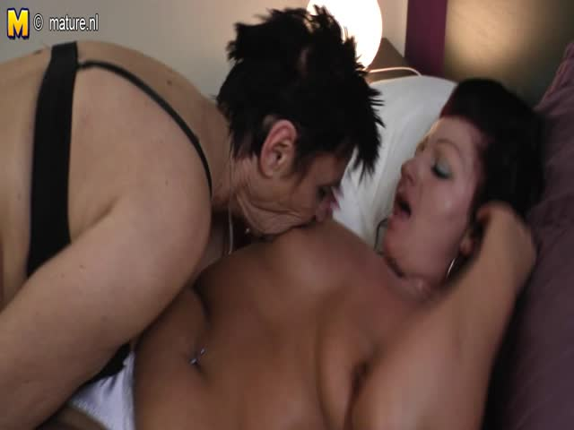 maman et moi lesbienne porno grosse chatte humide Free Porn