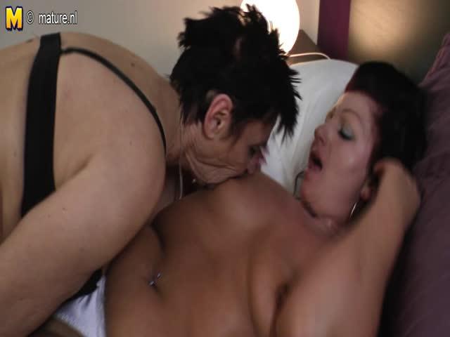 Jolie fille lesbienne-6937