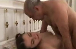 Famille Italienne sans scrupule à cause d'inceste