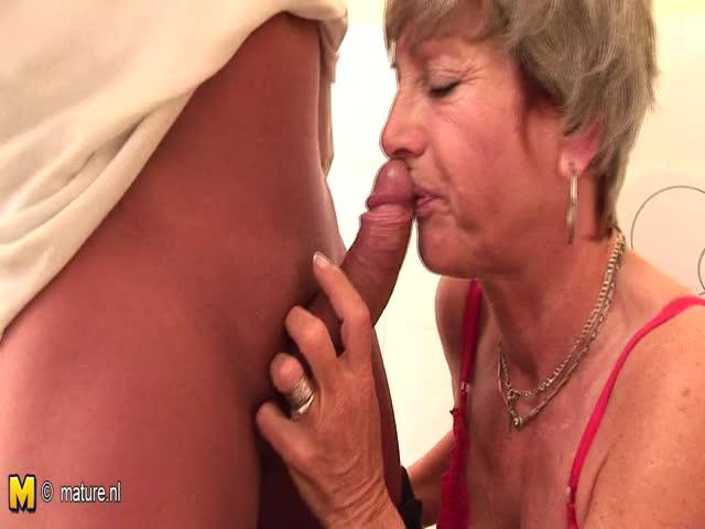 vieux grand-mère anal sexe
