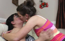 Fille célibataire lesbienne et sa tante